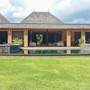 Luxury Villa in Mauritius Tamarina Golf Resort w/ Sunny Terrace, Private Pool, air con and Wifi