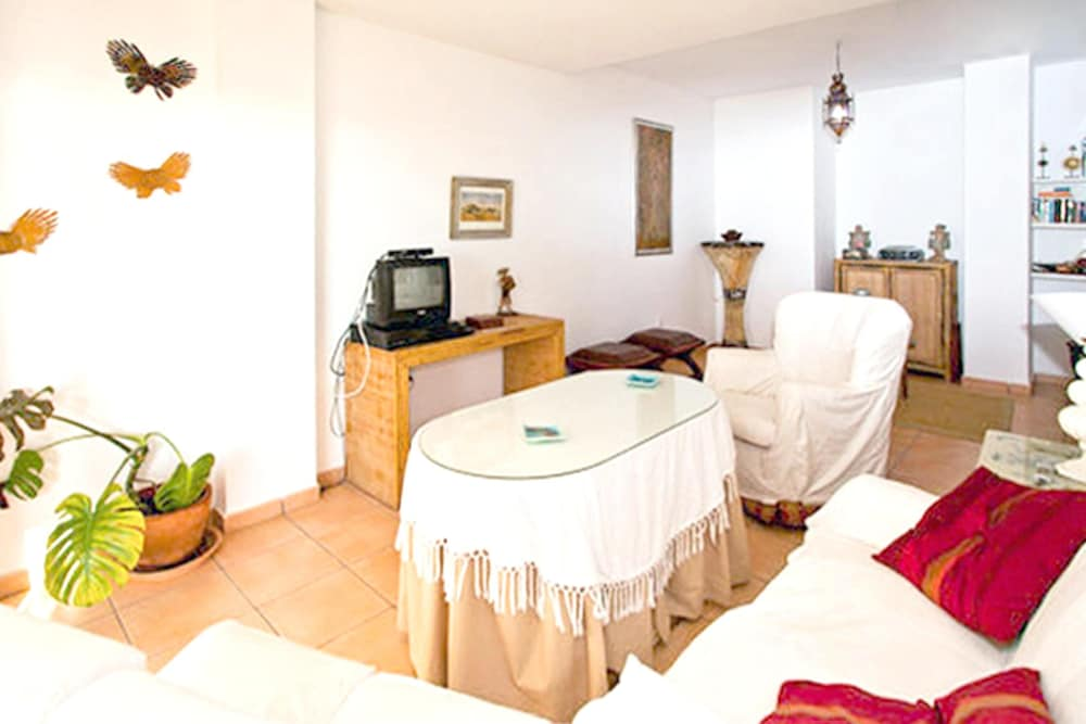 Living Room, Apartment With 2 Bedrooms in Sanlucar de Barrameda, With Wonderful sea View, Shared Pool, Enclosed Garden - 300 m From the Slopes