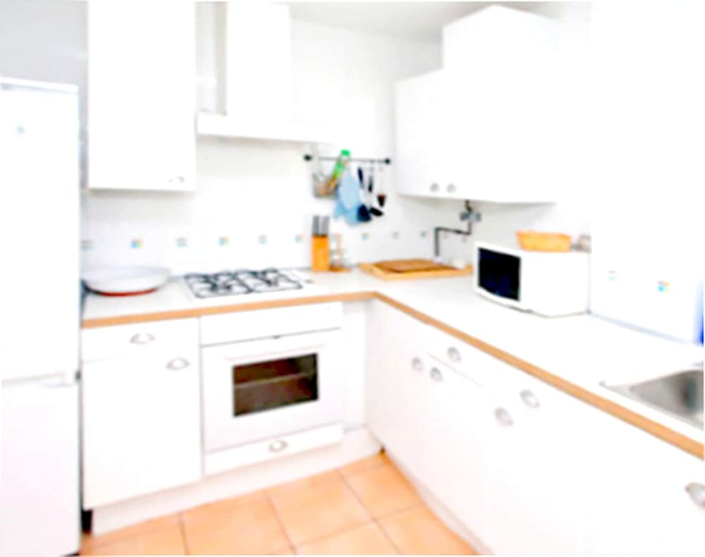 Private Kitchen, Apartment With 2 Bedrooms in Sanlucar de Barrameda, With Wonderful sea View, Shared Pool, Enclosed Garden - 300 m From the Slopes