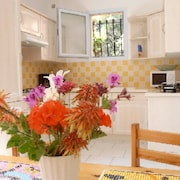 House With one Bedroom in Alata, With Wonderful sea View, Furnished Garden and Wifi - 8 km From the Beach