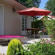 Cottage 3 - Cute, 2-bedroom Cottage With a Shared Pool, Terrace and Lake Views in Saint-saud-lacoussière!