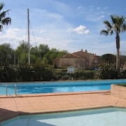 Bright Apartment With one Room in Cogolin Near St Tropez, With Pool Access, Furnished Terrace and Wifi - Sleeps 6 !