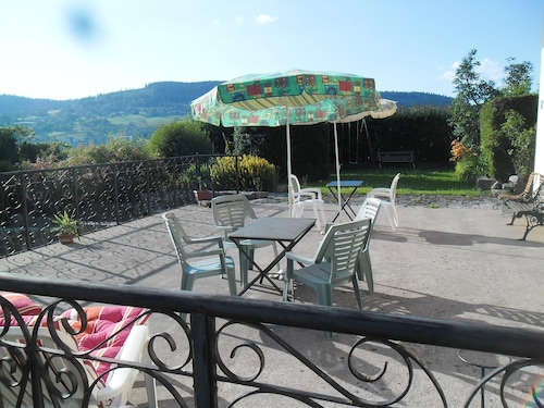 Studio in Gérardmer, With Wonderful Lake View, Furnished Garden and Wifi - 1 km From the Slopes