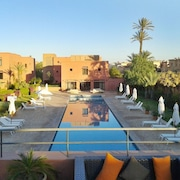 Well-located, 2-bedroom Apartment in Marrakech With a Furnished Terrace and Swimming Pool Access!
