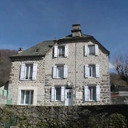 House With 3 Bedrooms in Pierrefort, With Wonderful Mountain View and Enclosed Garden - 11 km From the Beach