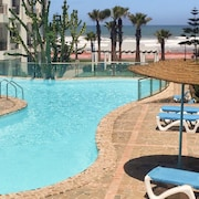 Sunny, 1-bedroom Apartment in With Shared Swimming Pools and Balcony 250m From the Beach!