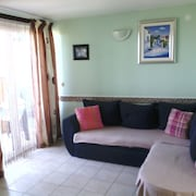 Apartment With one Room in Zaton, With Furnished Garden and Wifi - 200 m From the Beach
