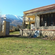 House With 9 Bedrooms in Navaluenga, With Wonderful Lake View and Enclosed Garden