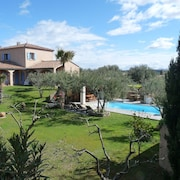 Villa With 4 Rooms in Roquemaure, With Private Heated Pool, Enclosed Garden and Wifi