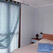 House With one Bedroom in Imperia, With Wonderful City View, Pool Access, Enclosed Garden - 2 km From the Beach
