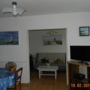 Apartment 1st Floor With 2 Rooms in Ouistreham, With Furnished Balcony and Wifi - 500 m From the Beach
