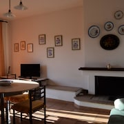 Apartment With 2 Bedrooms in Cuglieri, With Furnished Terrace - 13 km From the Beach