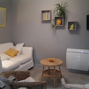 House With one Bedroom in Villeneuve, With Enclosed Garden and Wifi