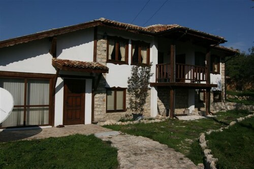 Villa With 3 Bedrooms in Zornitsa, With Wonderful Mountain View, Private Pool and Enclosed Garden - 19 km From the Beach