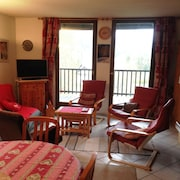 Rustic, 4-bedroom Apartment Near Serre Chevelier Ski Area With Amazing Mountain Views Sleeps 8!