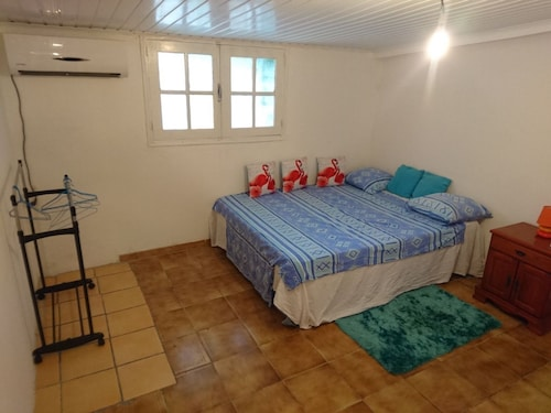 House With one Bedroom in Cayenne, With Enclosed Garden and Wifi - 4 km From the Beach