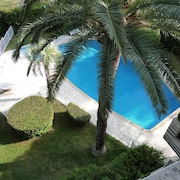Apartment With one Bedroom in Saint-raphaël, With Wonderful sea View, Pool Access and Enclosed Garden