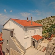 Apartment With 4 Bedrooms in Senj, With Wonderful sea View, Furnished Terrace and Wifi - 300 m From the Beach