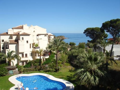 Delightful Apartment on the Costa Blanca With Pool and sea Views, 100m From the Mediterranean Sea