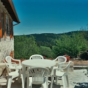 House With 3 Bedrooms in Saint-pal-de-senouire, With Wonderful Mountain View and Enclosed Garden