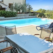 Sleek Apartment on the Istrian Peninsula With Pool and sea View, 250m From the Beach