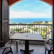 Les Couchant Sunny, 1-bedroom Apartment in Porticcio With a Swimming Pool and sea Views