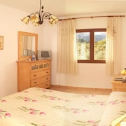 House With 5 Rooms in Priego de Cordoba, With Wonderful Mountain View, Pool Access