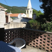 House With 3 Bedrooms in Sveti Jakov, With Wonderful Mountain View, Enclosed Garden and Wifi - 400 m From the Beach