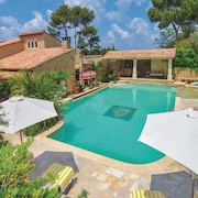 Villa With 4 Rooms in Orgon - Alpilles/luberon, With Private Pool, Terraces, Enclosed Park of 1Ha and Wifi