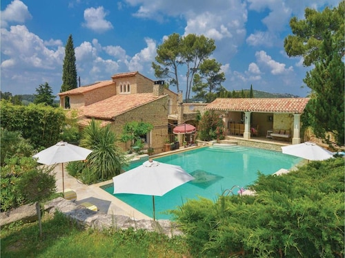 Villa With 4 Bedrooms in Orgon, With Private Pool, Enclosed Garden and Wifi - 30 km From the Beach