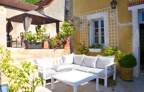 House With 3 Bedrooms in Le Blanc, With Enclosed Garden and Wifi