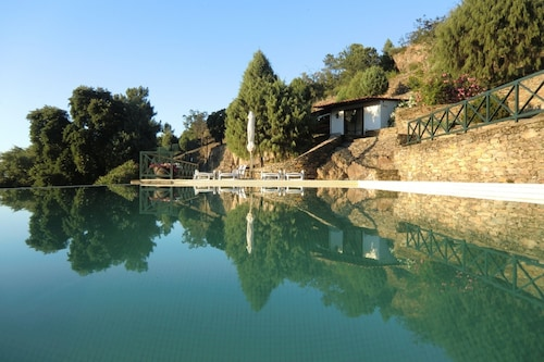 Quinta das Aveleiras - Villa With 3 Rooms in Douro, With Wonderful Mountain View, Pool Access