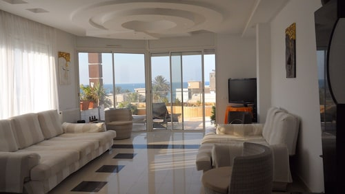 Apartment With 4 Rooms in Mahdia, With Wonderful sea View, Furnished Terrace and Wifi
