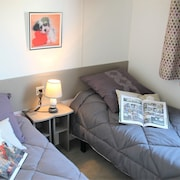 Modern Mobil-home With 2 Bedrooms in Les Sables du Midi ****, Furnished Garden and Wifi - FUN Pass Included