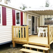 Mobil-home With 3 Rooms in Saint-jean-de-monts, With Pool Access, Enclosed Garden and Wifi - 1 km From the Beach