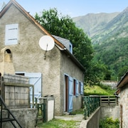 Cozy, 3-bedroom House in Aragnouet With a Furnished Garden and Mountain Views 6km From the Slopes!