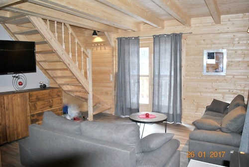 Chalet With 5 Bedrooms in Venosc, With Wonderful Mountain View, Enclosed Garden and Wifi - 400 m From the Slopes