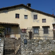 House With 3 Bedrooms in Barberino di Mugello, With Wonderful Lake View and Enclosed Garden - 80 km From the Slopes