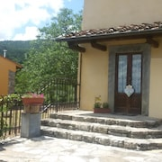 **special Offer**house With 3 Bedrooms in Barberino di Mugello, With Wonderful Lake View and Enclosed Garden