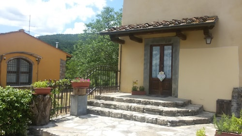 Special Offer House With 3 Bedrooms in Barberino di Mugello, With Wonderful Lake View and Enclosed Garden
