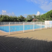 Apartment With one Room in Mandelieu-la-napoule, With Pool Access, Enclosed Garden and Wifi - 400 m From the Beach