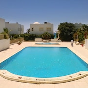 Seaside Apartment in the Aquarius Residence w/ air Con, Pool & Wifi - Near Hammamet, 50m From Beach