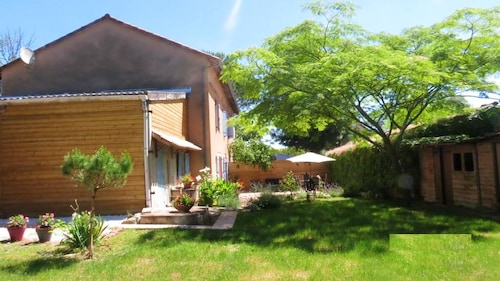 House With 4 Bedrooms in Gaillac, With Enclosed Garden and Wifi