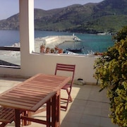House With 4 Bedrooms in Centuri, With Wonderful sea View, Furnished Terrace and Wifi - 10 m From the Beach