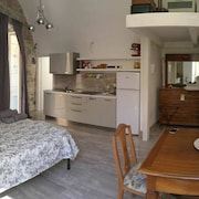 Apartment With 2 Bedrooms in Melfi - 70 km From the Beach