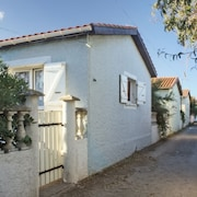 Minutes From the Beach in Sète, 2-bedroom Villa With Furnished Terrace