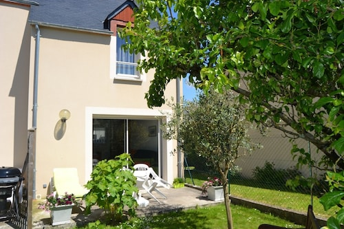 House With 2 Bedrooms in Saint-jouan-des-guérets, With Enclosed Garden and Wifi