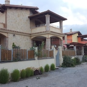 House With 5 Bedrooms in Olia Speciosa, With Furnished Terrace and Wifi - 5 km From the Beach
