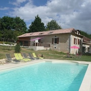 Chalet With 2 Bedrooms in Saint-germain-du-salembre, With Pool Access, Enclosed Garden and Wifi