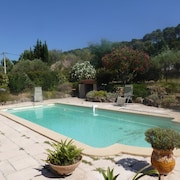 Studio in Pierrefeu-du-var, With Wonderful Mountain View, Pool Access, Enclosed Garden - 19 km From the Beach